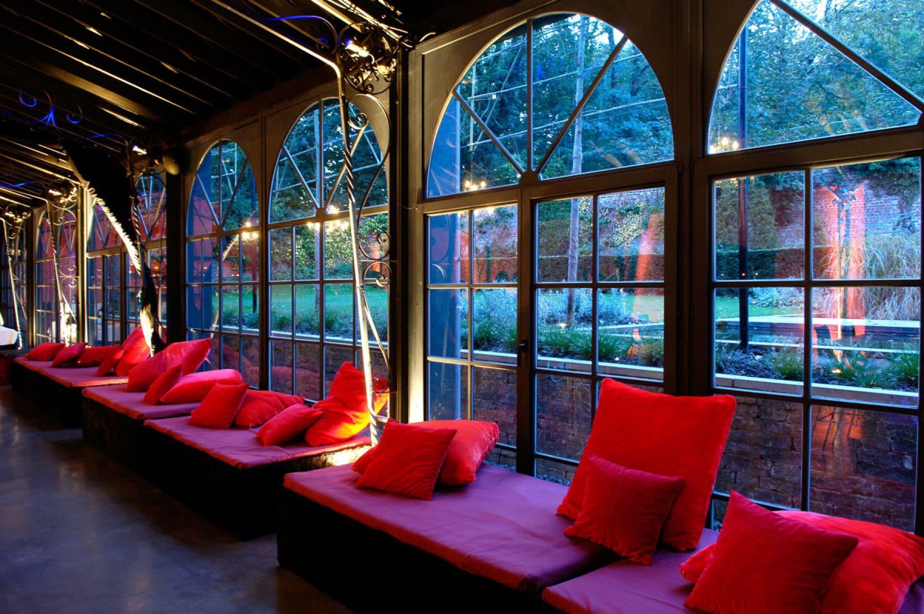 5-cushions-orangerie-palais-de-plume